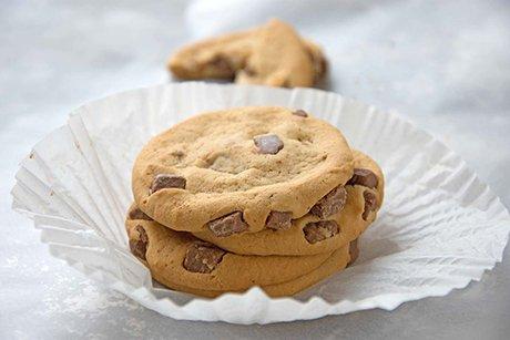 haferflocken cookies mit dunklen schoko chips rezept. Black Bedroom Furniture Sets. Home Design Ideas