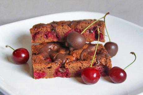 Schokoladenkuchen Mit Kirschen Rezept Gutekueche Ch