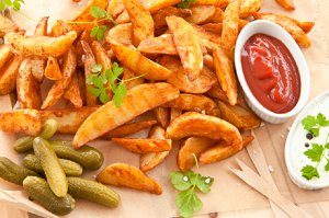 Selbstgemachte Country Fries im Backofen
