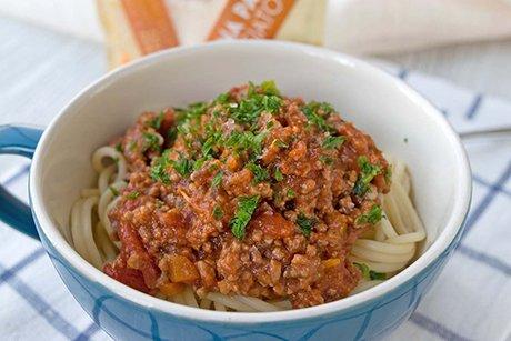 vegetarische bolognese sauce mit spaghetti rezept. Black Bedroom Furniture Sets. Home Design Ideas