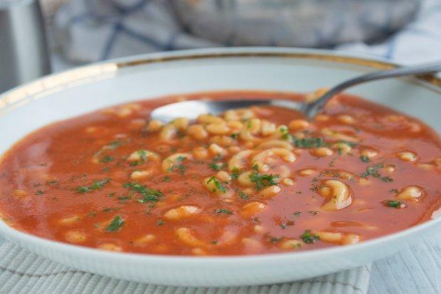 tomaten bohnen suppe rezept. Black Bedroom Furniture Sets. Home Design Ideas