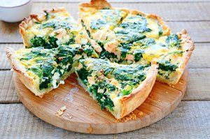 Spinat-Oliven Quiche
